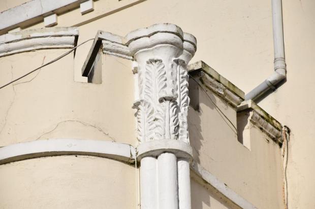 18 century cast iron hopper and downpipe