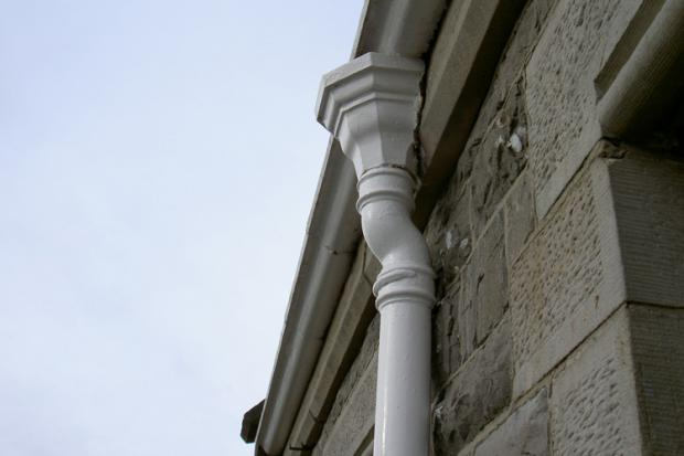 cast iron ogee gutter hopper and downpipe