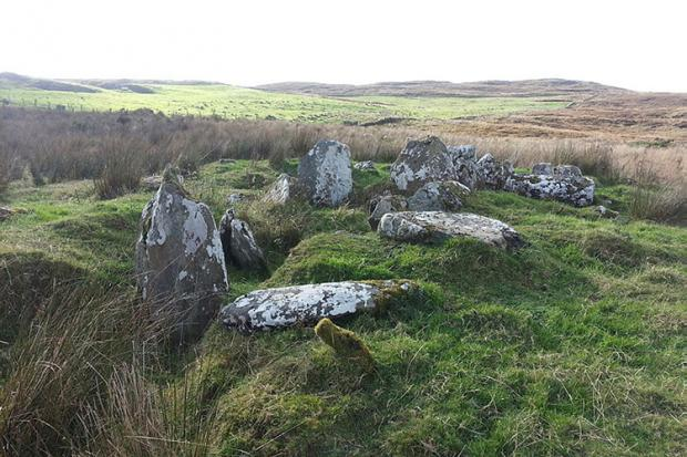 Balix Lower Court Tomb: The White Rocks