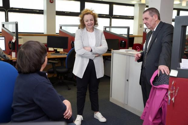 Communities Minister Carál Ní Chuilín has visited Holywood Road Jobs & Benefits office & paid tribute to the essential role her front-line social security staff have played in supporting the vulnerable & continue to play during the COVID-19